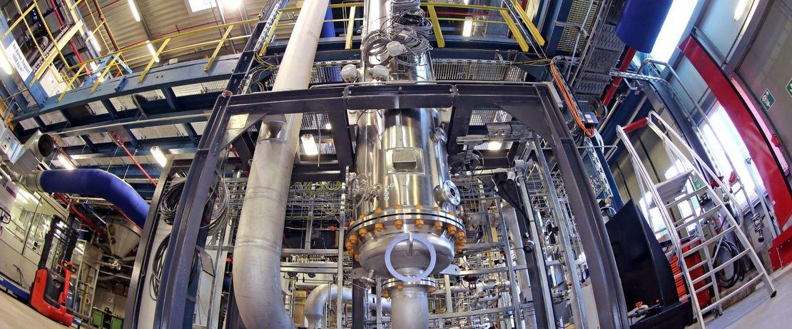 Im Evonik-Modul der Rheticus Versuchsanlage arbeiten Bakterien an der Umwandlung von Synthesegasen in Spezialchemikalien wie Butanol. Quelle: Evonik